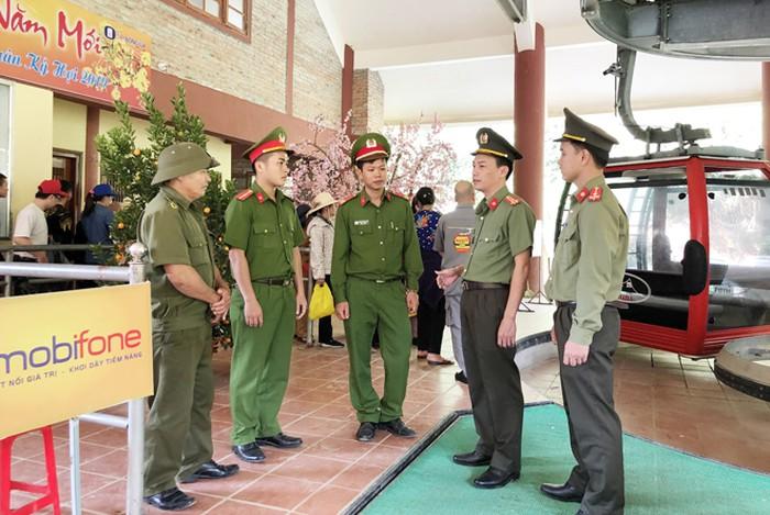 Công an huyện triển khai phương án bảo vệ Lễ hội Chùa Hương Tích