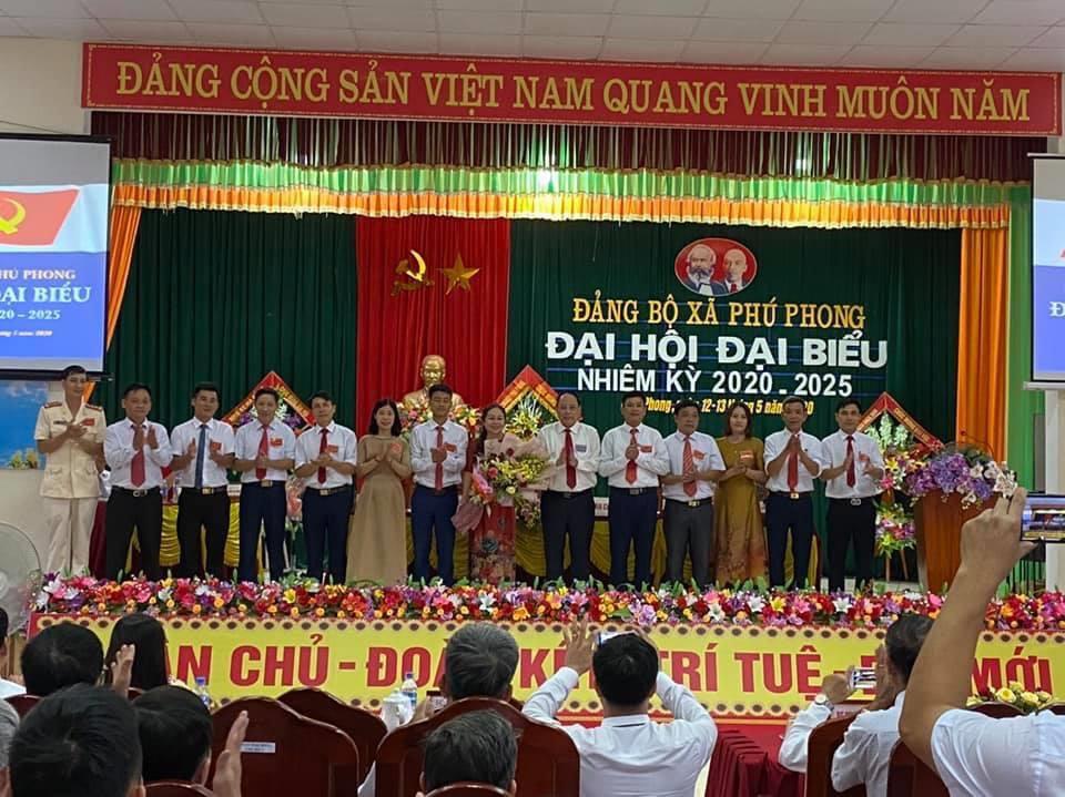 Đại hội đại biểu Đảng bộ xã Phú Phong